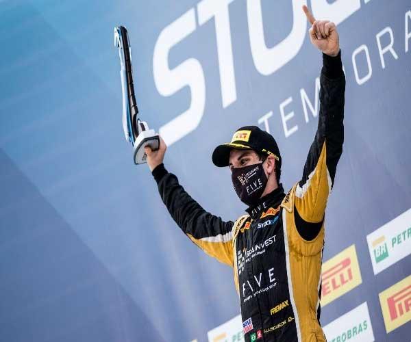 FEIano e piloto vencedor na Stock Light conta como conhecimento acadêmico auxilia nas competições