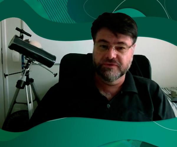 Professor Cássio Barbosa, do Departamento de Física da FEI, participa de reportagem no Fantástico, transmitido pela TV Globo